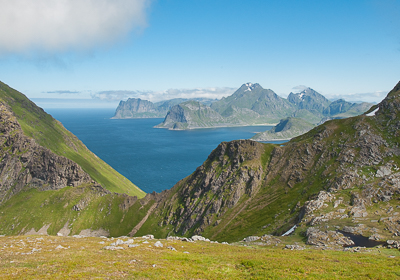 hiking lofoten mountains
